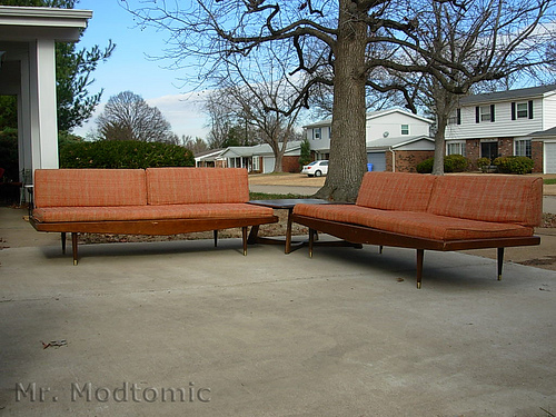 MR MODTOMIC DANISH DAYBEDS